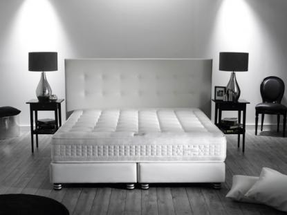 boutique literie literie exaltation simmons matelas et sommier ac. Black Bedroom Furniture Sets. Home Design Ideas